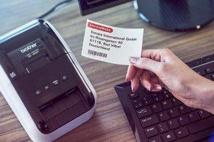 Come scegliere il materiale di consumo per la propria stampante industriale per etichette